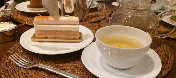 アグネスホテル ラウンジ|贅沢な空間で軽食とケーキ